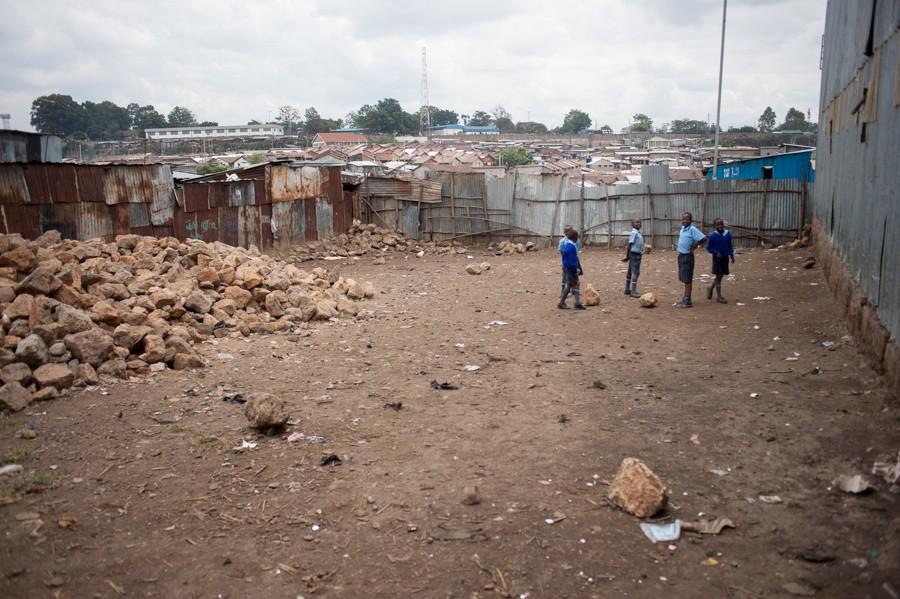 http://rosaverde.org/files/gimgs/th-33_130624-RM-slumsdunk4150.jpg