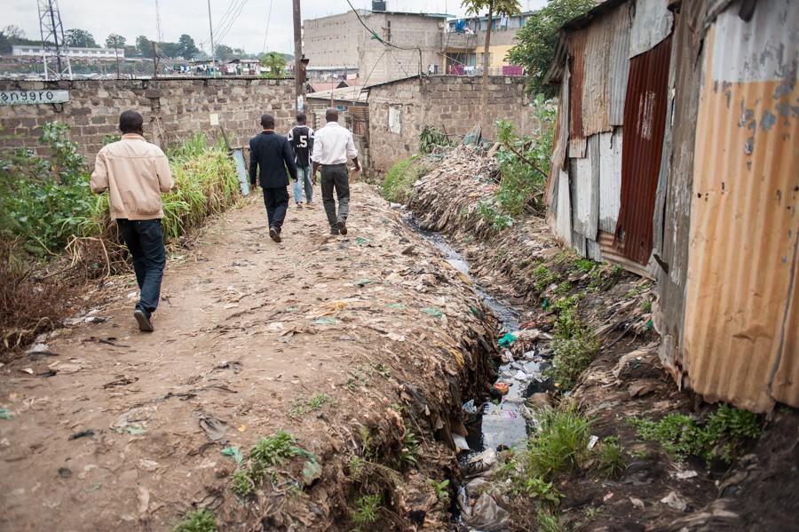http://rosaverde.org/files/gimgs/th-33_130624-RM-slumsdunk4179.jpg